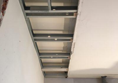 Reprise faux plafond en latti métal